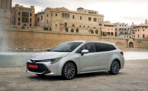 Lease Toyota Corolla Touring Sports (5-d) - 1.8 hybrid business plus